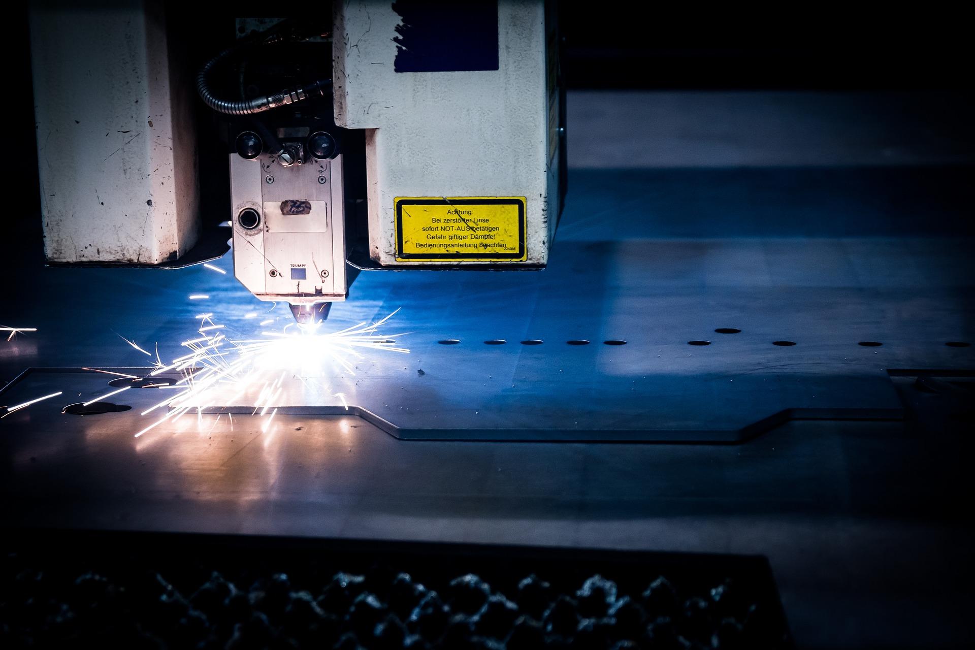 cięcie blachy laserem